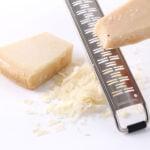 Aflangt medium ribbet rivejern - skarpt og præcist - til f.eks parmasan