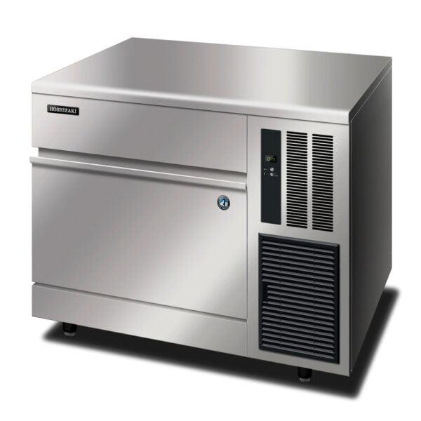 Hoshizaki er IM-100 CNE er en robust maskine med kabinet i rustfrit stål, der udnytter pladsen i bredden