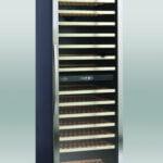Lækkert vinkøleskab med 2 temperatur zoner fra Scandomestic, rummer op til 154 flasker