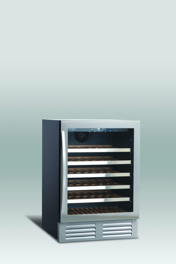 Lækkert vinkøleskab med 1 temperatur zone fra Scandomestic, rummer op til 52 flasker