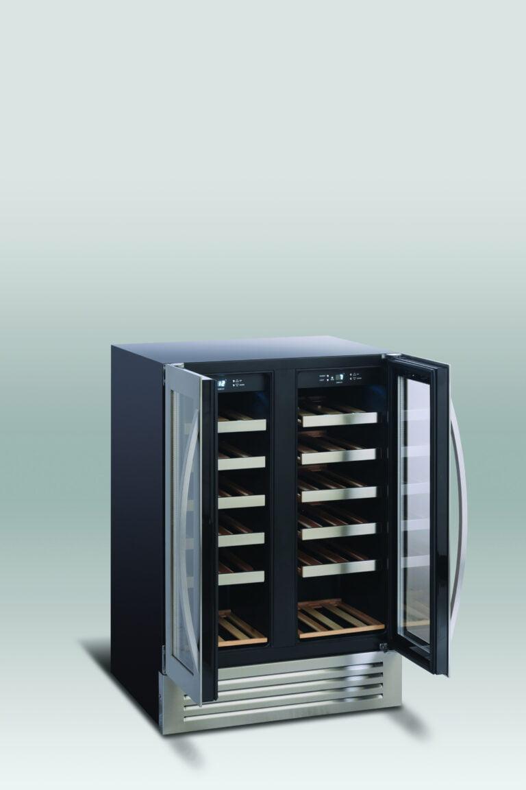 Lækkert vinkøleskab, underbordsmodel, med 2 temperatur zoner fra Scandomestic, praktisk og præsentabelt vinskab, rummer 38 flasker